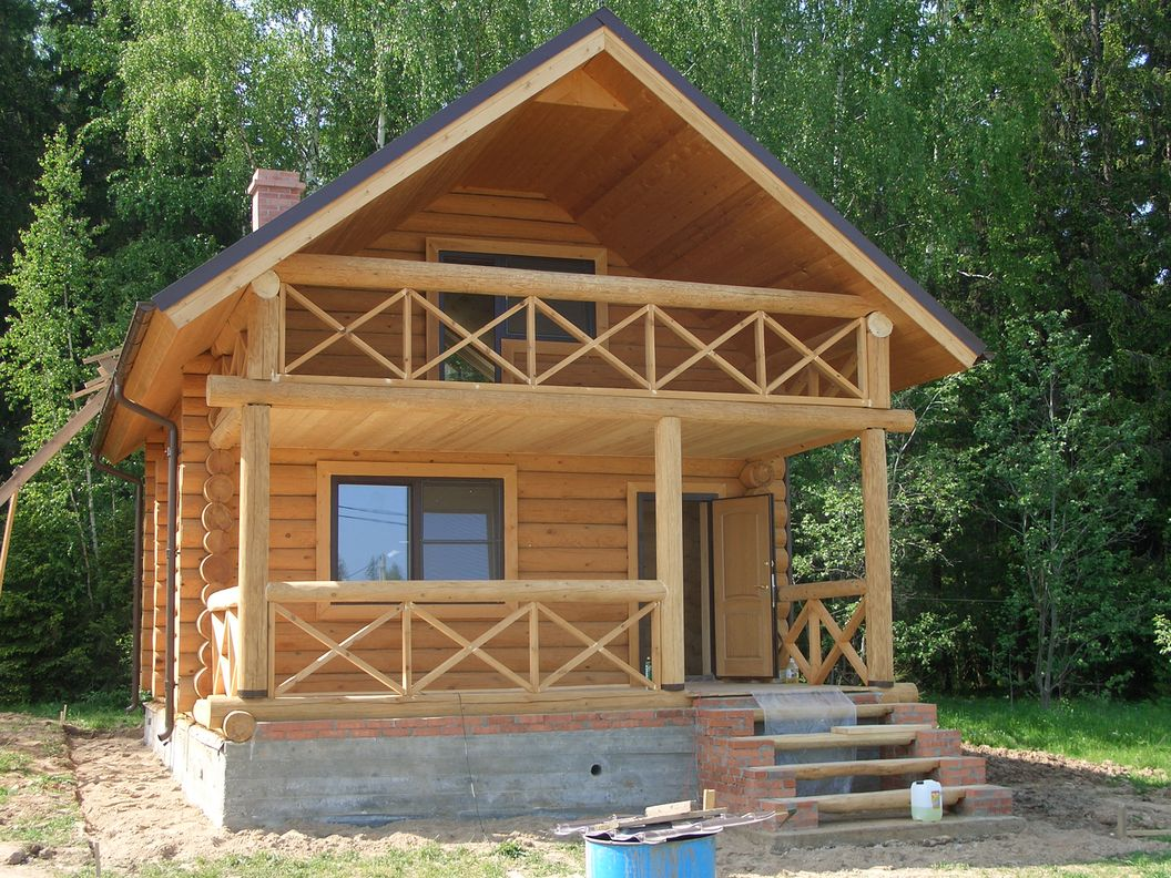 Балкон в частном доме - особенности конструкций.